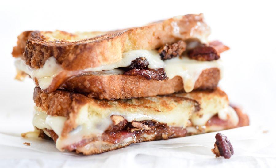 Arla brown sugar pecans and sweet bacon havarti x 900.jpg?alt=arla brown sugar pecans and sweet bacon havarti x 900