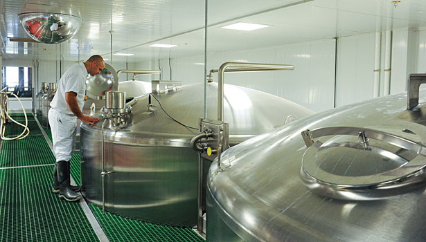 smith brothers stainless steel pasteurized tanks