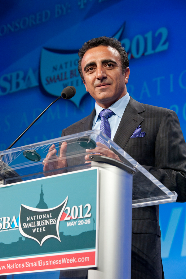 Hamdi Ulukaya Chobani is the Dairy Foods magazine 2012 Processor of the year